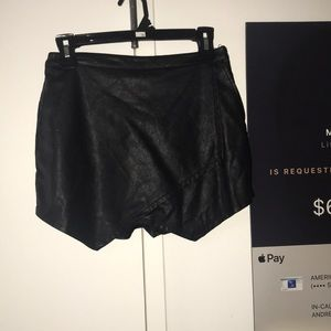 Abercrombie&fitch faux leather skort